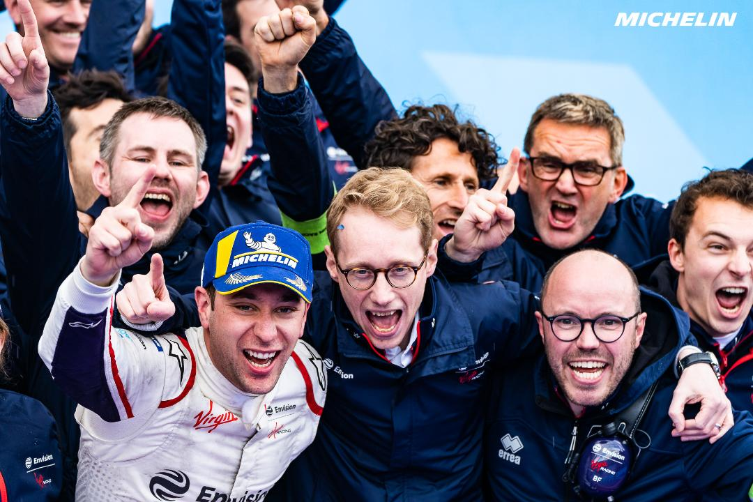 Frijns wins spectacular Paris E-Prix